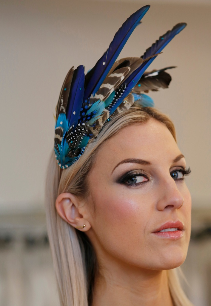 Aves Blue Feather Headdress