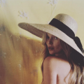 Kate moss in Jane Taylor straw hat