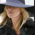 Kate moss in 1970s style floppy hat
