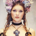 Kate moss couture catwalk flower crown