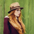 Camel-trilby-fedora-holly-young.s