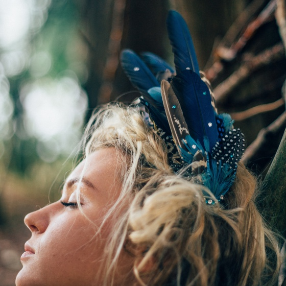 'Aves' Blue Feather Headdress