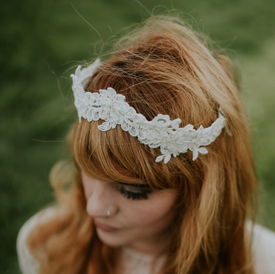 Ivory Lace Crown kenynen