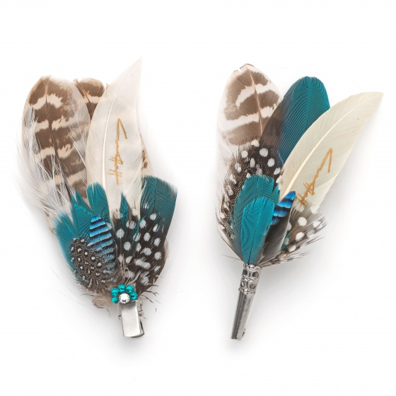 'Aves blue' Feather lapel pin & hair clip set