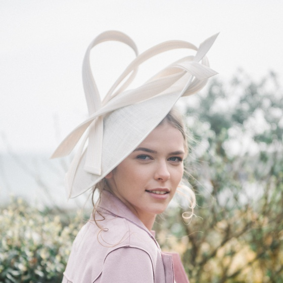 'Alaria' ivory sculpted hat