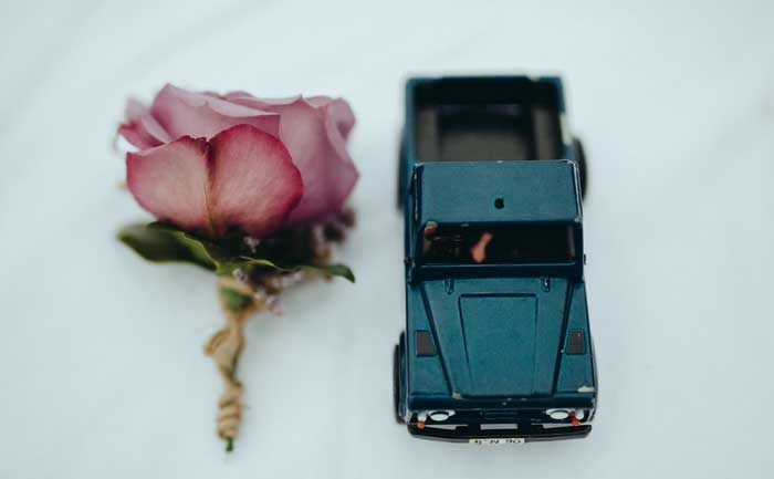 wedding cake toppers rose and car